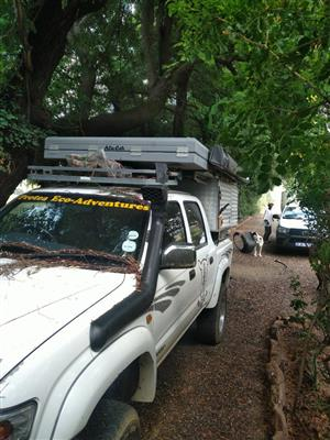 2003 Hilux Double Cab with offroad camper 2010