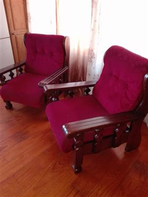 6 Seater Lounge Suite – Excellent Condition – R5799