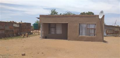 2 BEDROOM HOUSE ON SALE AT LEPENGVILLE /HAMMANSKRAAL FOR THE PRICE OF R85 0000