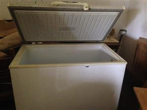 Defy Multimode 320ltr Chest Freezer, hardly used