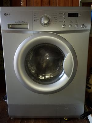 LG Direct Drive 6KG frontloader washing mashine