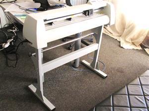 V-808 V-Series High-Speed USB Vinyl Cutter, 800mm Working Area, In-house VinylCut Software