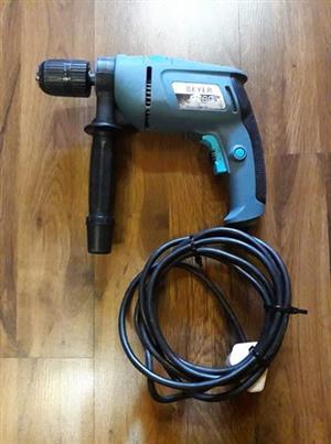 Beyer 760watt elektriese boor met hammer aksie Puik toestand