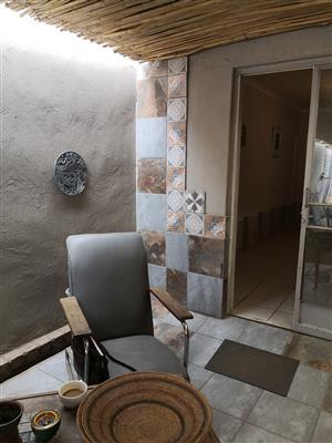GEZINA (PRETORIA MOOT AREA) : 1 BEDROOM FURNISHED GARDEN FLAT TO RENT