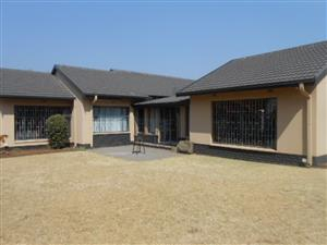 Big house walking distance to shop.  Stunning size garden with loads of potential for growth.  Midvaal.