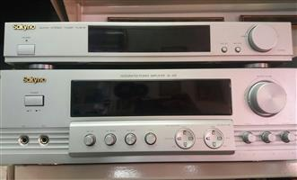 Sakyno Amp AV - 455 & Sakyno Tuner TU-818 Including all cables  In Prestine working condition