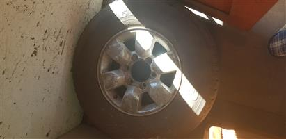 Toyata Hilux/fortuner rim and tyre