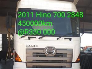 2011 Hino700 2848