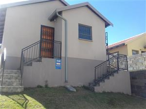 2 bedrooms house in Fleurhof ext 27 close to Future Nation Private School and close to public transp
