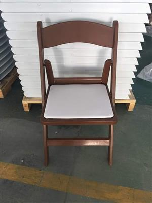 White top wooden fold up chair