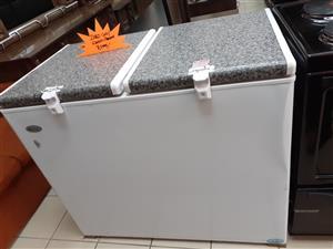 Zero gas/electric fridge & freezer.