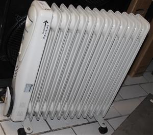 Pineware 12 bar oil heater S031416A #Rosettenvillepawnshop