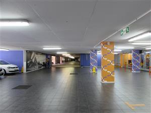 CENTURY CITY: 776m2 Drive-In Service Centre To Let