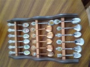 Teespoon rack with spoons