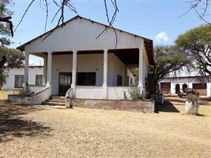 R1 240 000 BULTFONTEIN PRETORIA 8.6HA with 2 houses