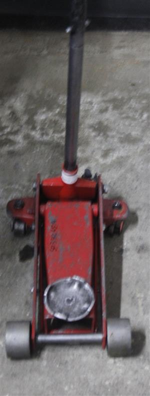 RED BIG CAR JACK S038265A #Rosettenvillepawnshop