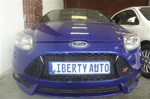 2014 Ford Focus ST 5 door (sunroof + techno pack)