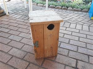 Paraquiet nesting box