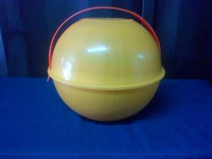 Unique Vintage Picnic Ball Set - 32 Piece