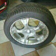 Nissan Navara set of 20 inch rims and tyres