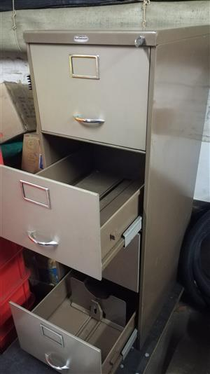 4 Drawer Filing Cabinet with lock
