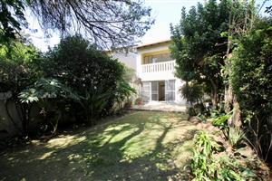 Large 3-bed townhouse to rent in Waterkloof Heights