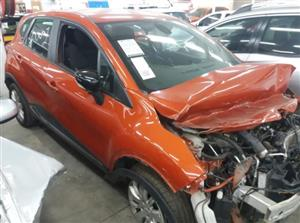 2015 RENAULT Captur Code 2 for rebuild