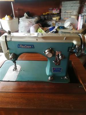 Sewing Machine Hostess automatic