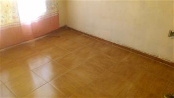 Room to rent in protea glen ext  16