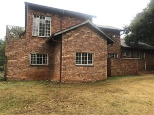 Big Spacious family home in Garsfontein for sale!