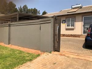 Pretoria North (Amandasig) Two bedroom house with small garden for R 6500p/m