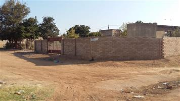 Very spacious yard and two room available for sale soshanguwe v extensions