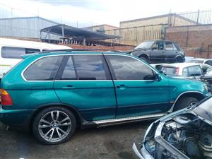 Bmw x5 E53 4.8 is  stripping for spares