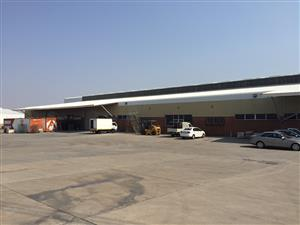 FACTORY / DISTRIBUTION CENTRE TO LET IN SAMRAND!