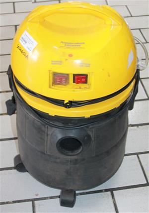S034654A Conti aquarobox wet and dry vacuum cleaner #Rosettenvillepawnshop