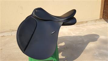 "Wintec 17"" Horse Saddle"