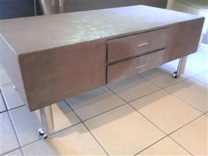 Concrete coffee table - modern Industrial look