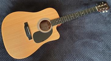 Sigma DMC-STE Acoustic Guitar with Hard Case