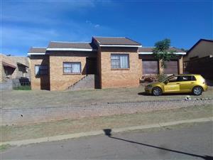 CHARMING 4 BEDROOM HOUSE IN ZAKARIYYA PARK FOR SALE