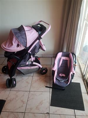 """""""Excellent Condition"""" Chelino baby pram and car seat combo for sale"""