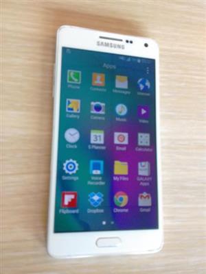 white Samsung galaxy A5