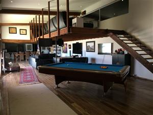 Stunning 1 Bedroom Modern Loft Style Apartment for Rent in Klein Karoo
