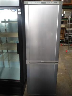 Fridge freezer ( Clearance )