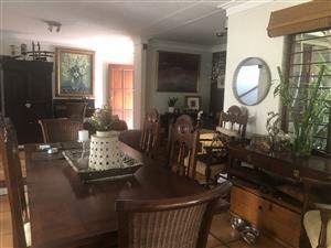 Female to share 3 bedroom cluster furnished