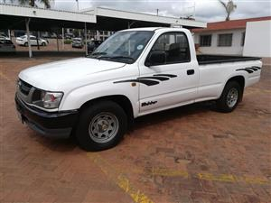 2004 Toyota Hilux 2.0