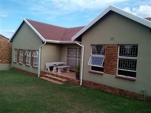 4 BEDROOM HOUSE + 2 BEDROOM COTTAGE TO RENT RAND EN DAL KRUGERSDORP