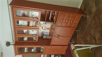 Cupboards/Cabinets