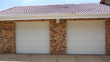 Garage Door : STEEL SECTIONAL SINGLE
