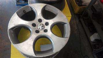 18 INCH GOLF 5 GTI RIMS FOR SALE
