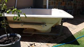 Jacuzzi 6 seater with pump and element.